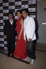 Deepika Padukone, Shahrukh Khan, Ganesh Hegde at Ganesh Hegde_s birthday bash in Escobar, Mumbai on 9th Nov 2011 (68).JPG