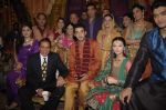 Dharmendra, Aditya Redij on the sets of serial Preeto in Powai on 9th Nov 201_1 (46).JPG