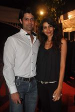 Ameet Gaur and Megha Kawale at RWITC press meet in Mahalaxmi Race Course on 10th Nov 2011 (16).JPG