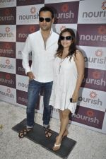 Rohit Roy, Manasi Joshi Roy at Pooja Makhija_s Nourish launch in Khar, Mumbai on13th Nov 2011 (55).JPG