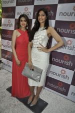 Sonam Kapoor at Pooja Makhija_s Nourish launch in Khar, Mumbai on13th Nov 2011 (47).JPG