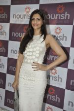 Sonam Kapoor at Pooja Makhija_s Nourish launch in Khar, Mumbai on13th Nov 2011 (50).JPG