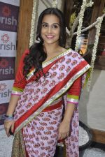 Vidya Balan at Pooja Makhija_s Nourish launch in Khar, Mumbai on13th Nov 2011 (44).JPG