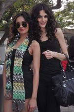 at RWITC inaugural Race Day in Mumbai on 13th Nov 2011 (328).JPG