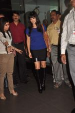 Sunny leone arrives in Mumbai to be part of Big Boss in Mumbai Airport on 17th Nov 2011 (4).JPG