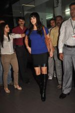 Sunny leone arrives in Mumbai to be part of Big Boss in Mumbai Airport on 17th Nov 2011 (5).JPG