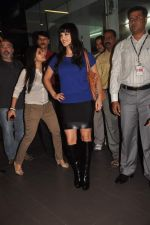 Sunny leone arrives in Mumbai to be part of Big Boss in Mumbai Airport on 17th Nov 2011 (6).JPG