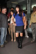Sunny leone arrives in Mumbai to be part of Big Boss in Mumbai Airport on 17th Nov 2011 (8).JPG