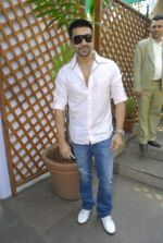 Aashish Chaudhary at Bungalow 9 brunch in Khar on 20th Nov 2011 (27).JPG