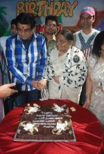 Javed Akhtar, Amit Kumar, Ruma Devi, Rohit Roy, Leena Chandavarkar at Ruma Devi_s birthday in Juhu, Mumbai on 21st Nov 2011 (107).JPG