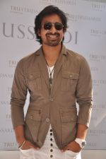 Rannvijay Singh at Trussardi watch launch in Olive, Mumbai on 23rd Nov 2011 (55).JPG