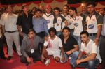 Sunil Shetty, Mahesh Manjrekar, Johnny Lever, Vatsal Seth, Aashish Chaudhary, Varun Badola at National Kabaddi championship in Dadar, Mumbai on 23rd Nov 2011 (4).JPG