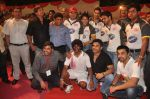 Sunil Shetty, Mahesh Manjrekar, Johnny Lever, Vatsal Seth, Aashish Chaudhary, Varun Badola at National Kabaddi championship in Dadar, Mumbai on 23rd Nov 2011 (5).JPG