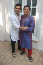 Rajendra Chawla, Sraman Jain at Sony TV_s Saas Bina Sasural on location in Malad on 24th Nov 2011 (45).JPG