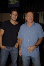 Aryan Vaid at Pitbull Concert in Bandra, Mumbai on 3rd Dec 2011 (18).JPG