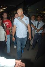 Andrew Symonds snapped at the Mumbai airport on 5th Dec 2011 (1).JPG