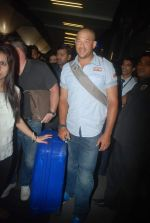 Andrew Symonds snapped at the Mumbai airport on 5th Dec 2011 (25).JPG