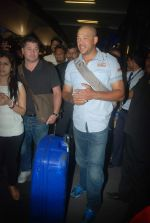 Andrew Symonds snapped at the Mumbai airport on 5th Dec 2011 (28).JPG