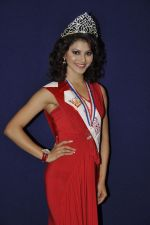Kriti Kapoor at The Indian Princess event in Atharva, Mumbai on 9th Dec 2011 (31).JPG