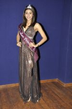 Urvashi Kapoor at The Indian Princess event in Atharva, Mumbai on 9th Dec 2011 (27).JPG