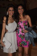 Madhoo Shah, Queenie Dhody at Pre Xmas Lunch in Palladium, Mumbai on 12th Dec 2011 (7).JPG