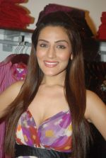 Sudeepa Singh at GOLMAAL Store celebrates its 6th anniversary in Mumbai on 11th Dec 2011 (35).JPG