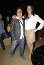 Neha Dhupia, Vinay Pathak at Pappu Can_t Dance Sala premiere in PVR, Mumbai on 15th Dec 2011 (39).JPG