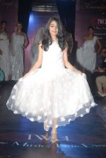 on the ramp for Kawaljeet Show at The Wedding Cafe in Andheri, Mumbai on 16th Dec 2011 (60).JPG