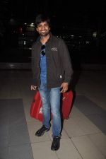 Manish Goyal snapped at airport on 19th Dec 2011 (4).JPG