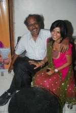 Mitali Nag, Virendra Saxena at the launch of new show Afsar Bitiya on Zee in Sky Lounge Sheesha, Andheri, Mumbai on 19th Dec 2011 (8).JPG