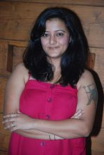 Smita Singh at the launch of new show Afsar Bitiya on Zee in Sky Lounge Sheesha, Andheri, Mumbai on 19th Dec 2011 (25).JPG