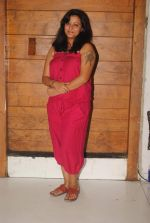 Smita Singh at the launch of new show Afsar Bitiya on Zee in Sky Lounge Sheesha, Andheri, Mumbai on 19th Dec 2011.JPG