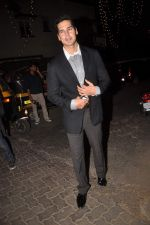 Dino Morea at Midnight mass in Bandra, Mumbai on 24th Dec 2011 (47).JPG