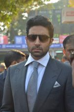 Abhishek Bachchan at Mid-Day Race in RWITC, Mahalaxmi on 25th Dec 2011 (109).JPG