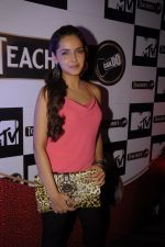 Shazahn Padamsee at Teachers scotch launch in Vie Lounge, Juhu, Mumbai on 25th Dec 2011 (27).JPG