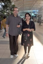 Suresh Wadkar snapped at the domestic airport on 26th Dec 2011 (11).JPG