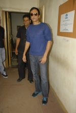 Kay Kay Menon with the star cast of Chaalis Chaurasia at Radio Mirchi in Parel, Mumbai on 27th Dec 2011 (9).JPG