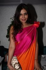 Nisha Jamwal at Rati Agnihotri_s bash for son Tanuj in Bandra, Mumbai on 27th Dec 2011 (22).JPG
