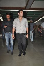 Yuvraj Singh at Diya Diamond concert in St ANdrews, Bandra, Mumbai on 27th Dec 2011 (3).JPG