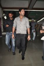 Yuvraj Singh at Diya Diamond concert in St ANdrews, Bandra, Mumbai on 27th Dec 2011 (4).JPG