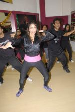 Aarti Chabbria practises for New Year_s bash in Andheri, Mumbai on 29th Dec 2011 (30).JPG