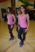 Aarti Chhabria practises for New Year_s bash in Andheri, Mumbai on 29th Dec 2011 (66).JPG