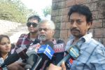 Irrfan Khan, Sanjay Mishra on location of film Pranam Walkum in Filmcity, Mumbai on 29th Dec 2011 (46).JPG