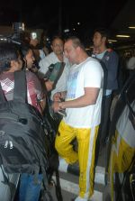Sanjay Dutt snapped at airport as they enter Big Boss on 29th Dec 2011 (6).JPG