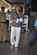 Tusshar Kapoor snapped at the Domestic Airport in Mumbai on 29th Dec 2011 (13).JPG