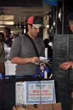 Tusshar Kapoor snapped at the Domestic Airport in Mumbai on 29th Dec 2011 (9).JPG
