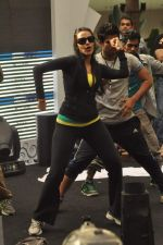 Neha Dhupia practice for Sahara Star Seduction in Sahara Star on 30th Dec 2011 (28).JPG