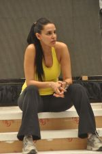 Neha Dhupia practice for Sahara Star Seduction in Sahara Star on 30th Dec 2011 (51).JPG
