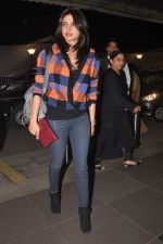 Priyanka Chopra snapped at international airport on 30th Dec 2011 (4).JPG