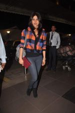 Priyanka Chopra snapped at international airport on 30th Dec 2011 (9).JPG